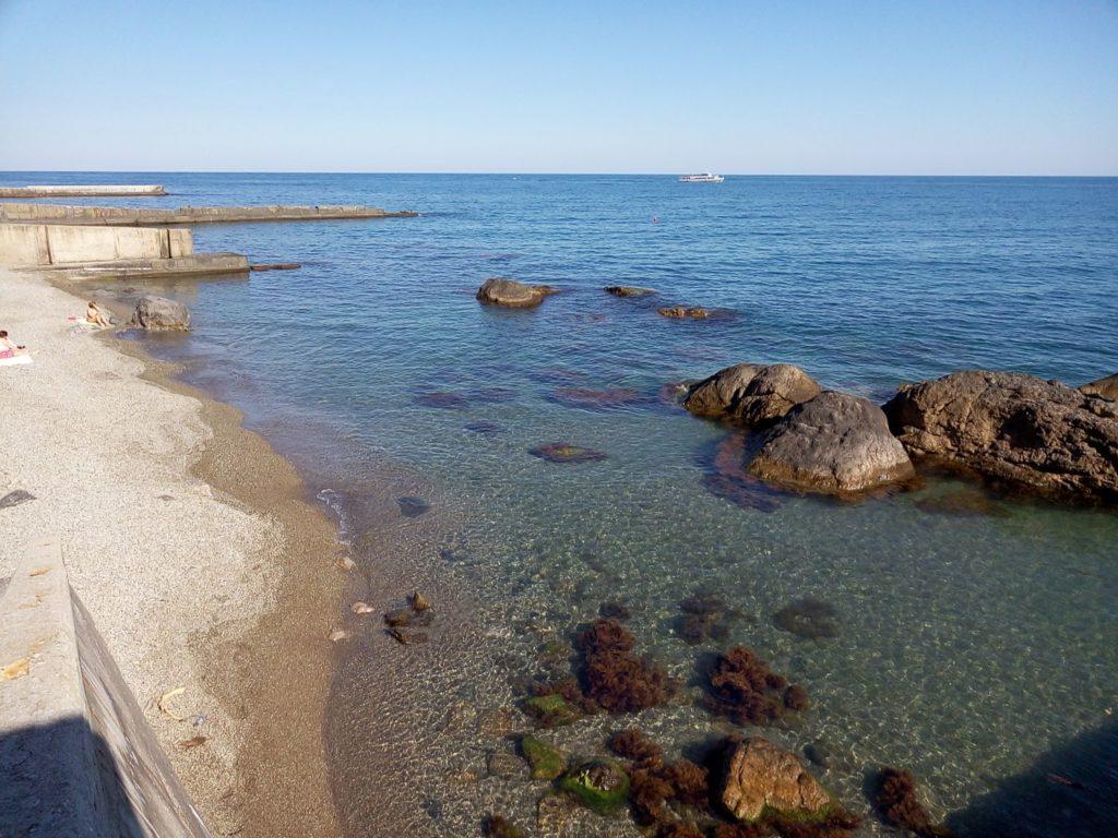 море фото пляж в Ялте 3-yalta-villa-nikita-2016-06-1