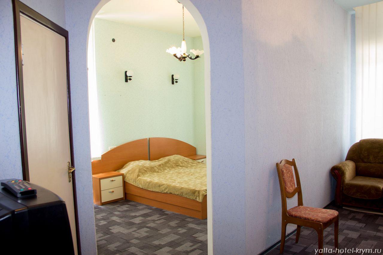 yalta-park-hotel-krym-n102-2