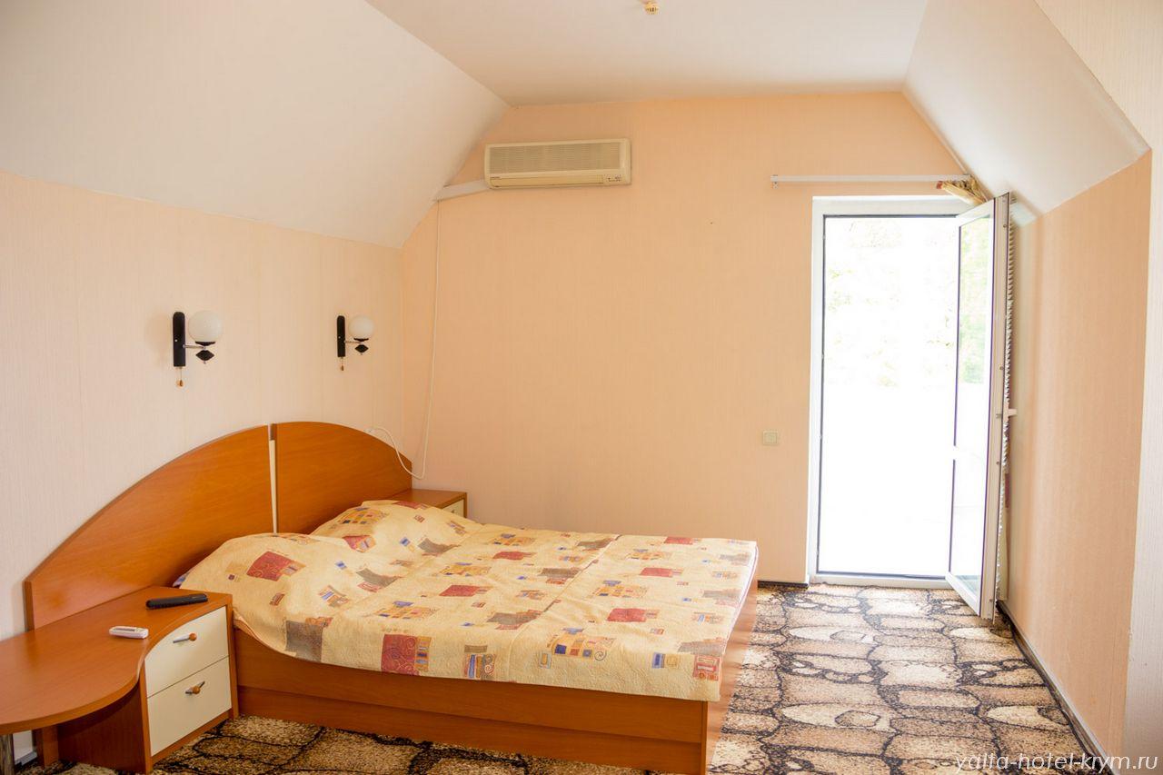 yalta-park-hotel-krym-n301-1