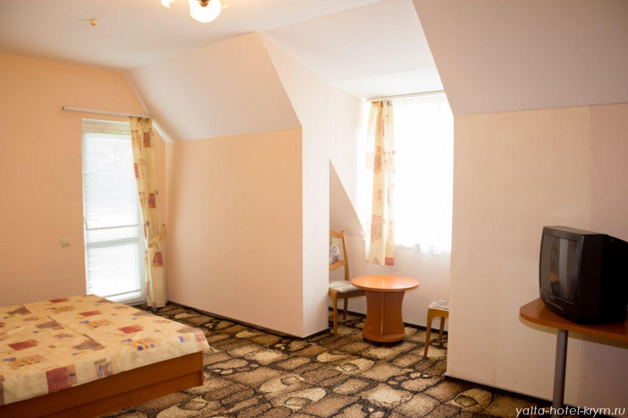 yalta-park-hotel-krym-n301-2