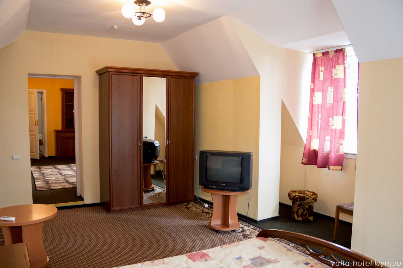 yalta-park-hotel-krym-n302-5