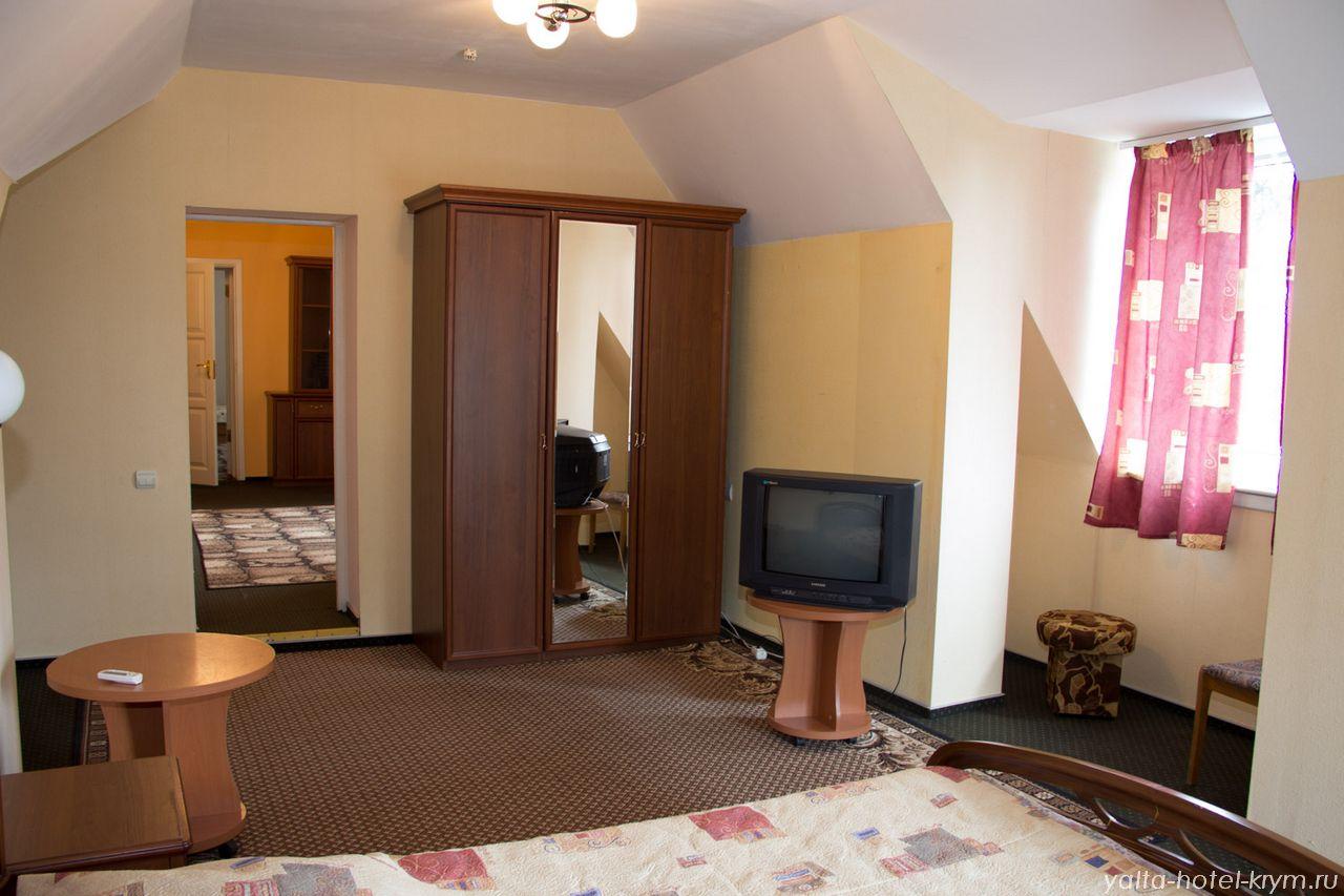 yalta-park-hotel-krym-n302-6