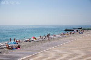 Приморский пляж в Ялте