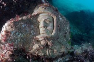 Аллея Вождей - Подводный музей на мысе Тарханкут m_XjihlTmXo