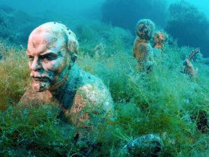 Аллея Вождей - Подводный музей на мысе Тарханкут wkU2KccEdYc