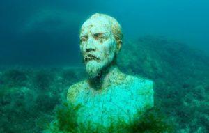 Аллея Вождей - Подводный музей на мысе Тарханкут yzk9K7u33H8
